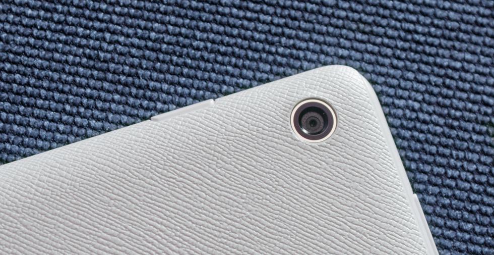 Камеры ASUS ZenPad 10 Z300CG нужны лишь для галочки - они плохо снимают