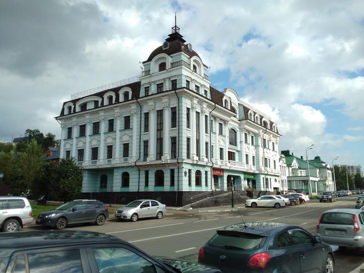 Здание, снятое на камеру Huawei MediaPad M3 Lite 10.