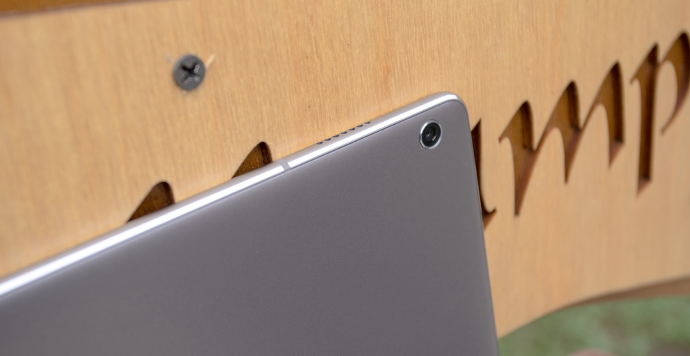 Основная камера Huawei MediaPad M3 Lite 10.