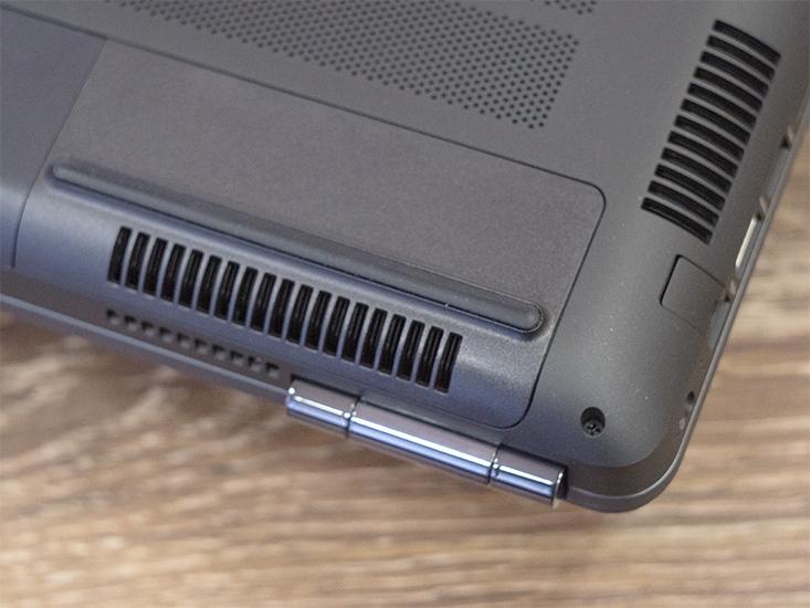 Днище ноутбука HP Omen 17.